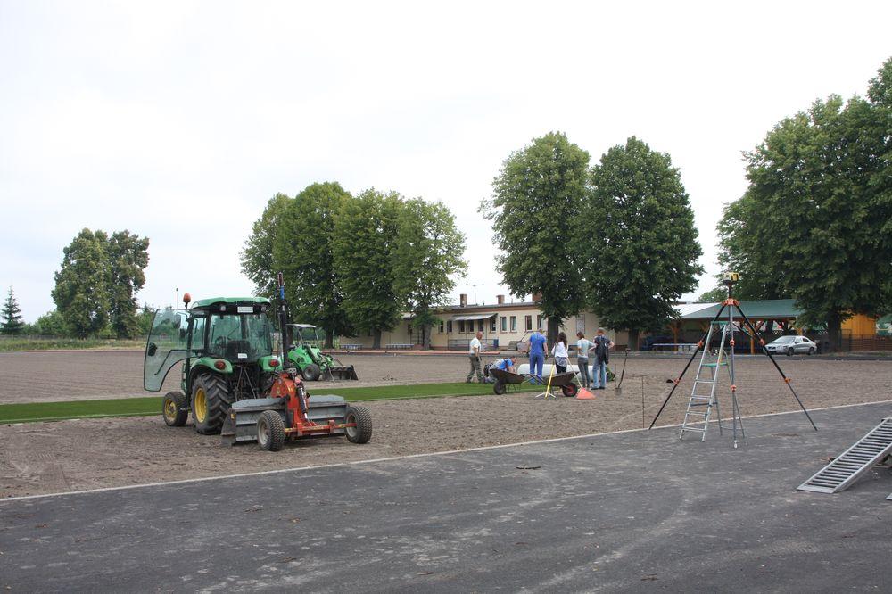 2015 zbąszynek boisko trawa hybrydowa wykonawca firma Leszek Kułak